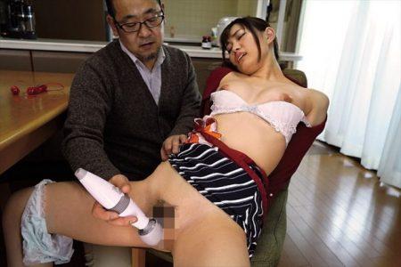 美谷朱里 若妻が引っ越した家の管理人に侵入されレイプされる 画像