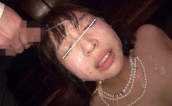 倉多まお 結婚式中の花嫁が痴漢され寝取られ顔射レイプされる 画像