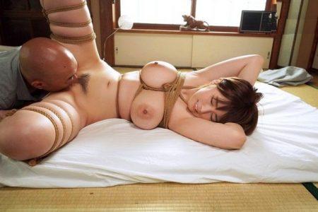 松本菜奈実 監禁された巨乳JDが完全緊縛されガン突きレイプされる 画像