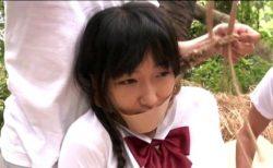 宇佐美なな 田舎のヘルメット女学生が拉致され輪姦レイプされる 画像