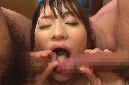 大沢美加 美少女JKがイラマチオされ顔面にザーメンをぶっかけられる 画像