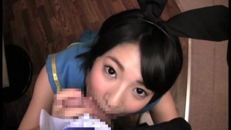 阿部乃みく 高級ナイトラウンジでコスプレ美少女がチンポ奉仕してくる 画像