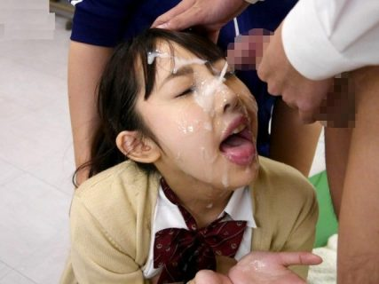 宇佐美まい JKがクラスの男子のチンポ奉仕してぶっかけられる 画像