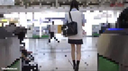 ストーキングされた女子校生が満員電車で痴漢されレイプもされちゃうwww 画像
