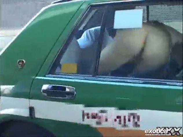 タクシーに乗っていた仕事帰りのキャバ嬢が強姦魔に襲われ中出しヤリ捨てレイプされるwww 画像