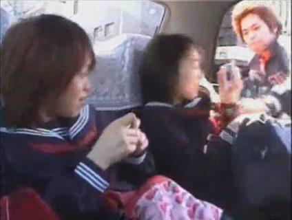 タクシーに乗っていた女子校生が変質者に襲われヤリ捨てレイプされちゃうwww 画像