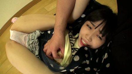 学校帰りのJSが強姦魔に押し入られパイパンマンコをガン突きで犯される 画像