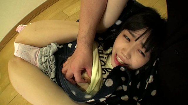 学校帰りのJSが強姦魔に押し入られパイパンマンコをガン突きで犯される動画