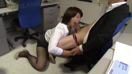 笹山希 横領がバレた人妻OLが同僚に弱みを握られチンポ奉仕肉便器にされる動画 画像