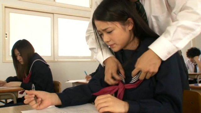 鶴田かな 授業中の女子校生がムラムラした男子に襲われレイプされる動画