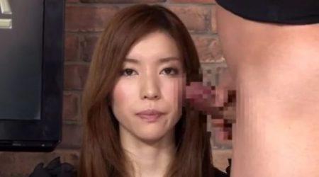 生放送中の女子アナがチンポをしゃぶらされ綺麗な顔面にザーメンをぶっかけられちゃうwww 画像
