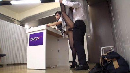 佳苗るか 逆らったらクビ!ブラック企業の受付嬢が性接待をさせられる動画 画像