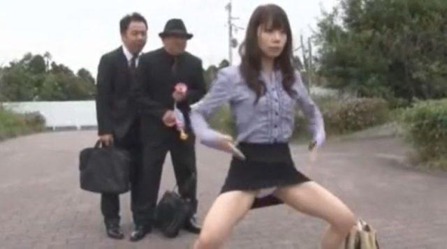 加藤梓 催眠にかけられた美人OLが全裸になって恥ずかしいポーズを連発しちゃうwww