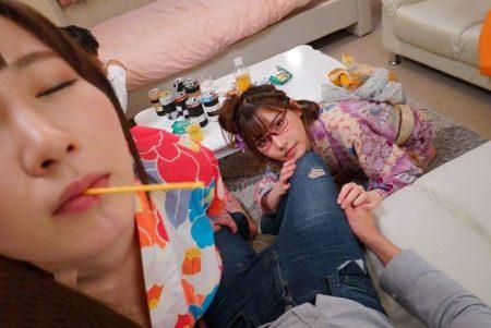 深田えいみ 小悪魔女子が友達の彼氏を彼女の見てないところで寝取っちゃう動画 画像