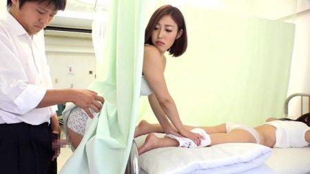 お見舞いに来てる人妻のカーテン越しのプリプリ尻に誘われて痴漢セックス動画 画像
