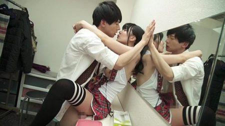恋愛禁止のアイドルとマネージャーが控え室でファンには内緒のエッチしちゃう動画 画像