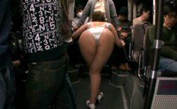 痴女レースクイーンが満員バスで男を誘惑してチンポをハメさせちゃう動画